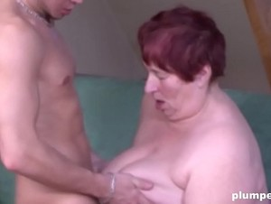 Couch surfing turns into couch fucking with this BBW