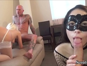 2 Deutsche Paare tauschen ihre Frauen beim Gruppensex - Two German Couples change her Girlfriends to Fuck in Group