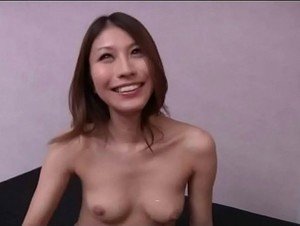 Japanese hottie give head to a freak
